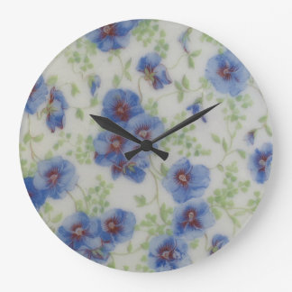 Tar tid på den violetta väggen för vildblomman stor klocka