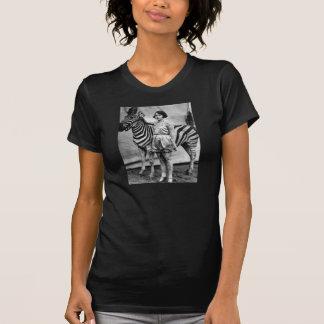 Tatuerad cirkusdam och sebraT-tröja Tshirts