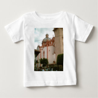 Taxco domkyrkasida från zocalo t-shirts