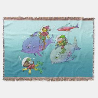 Tecknadgnomes som rider på fisk, på en filt