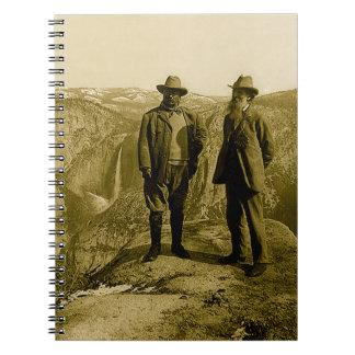 Teddy Roosevelt och John Muir på glaciären pekar Anteckningsbok Med Spiral