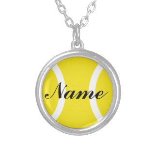 Tennisbollsmycken med personlignamn silverpläterat halsband