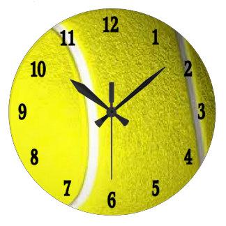 Tennissportväggen tar tid på svart w numrerar stor klocka