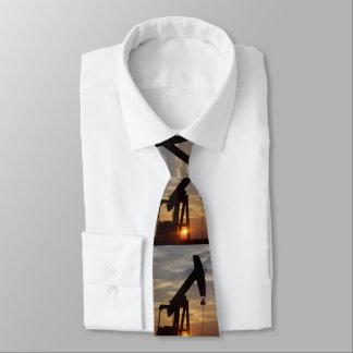 Texas olja som pumpar på solnedgången slips