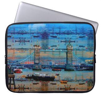 Thames minnen av torn överbryggar, London England Laptop Sleeve