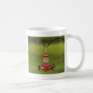 Throated Hummingbird för Ruby som matar frenesi Kaffemugg