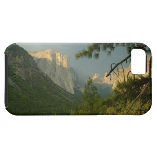 Thunderstorm över den Yosemite dalen iPhone 5 Cover