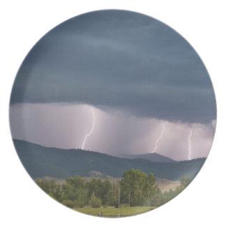 Thunderstorm producerad blixt i jockoen tallrik