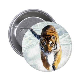Tigerspring i snö standard knapp rund 5.7 cm