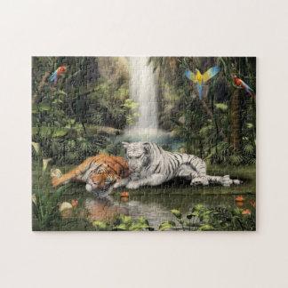 Tigrar vid en vattenfall pussel