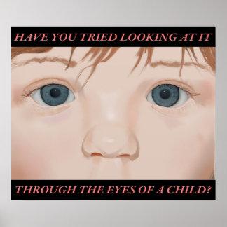 Till och med ögonen av ett barn; affisch med text