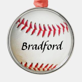 Tillfoga namn på vitbaseball med rött sy rund silverfärgad julgransprydnad