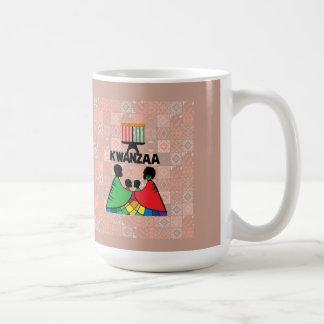 Tillsammans som den familjKwanzaa muggen Kaffemugg