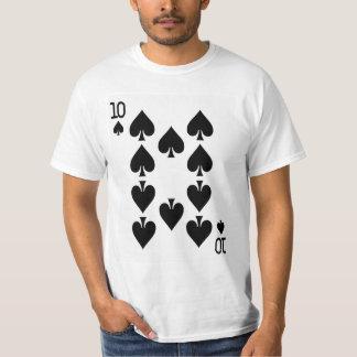 Tio av spadar som leker kortet tröja