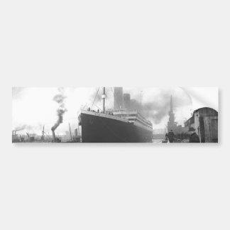 Titanic på skeppsdockorna av Southampton Bildekal