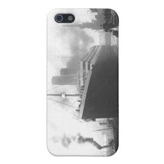 Titanic på skeppsdockorna av Southampton iPhone 5 Fodraler