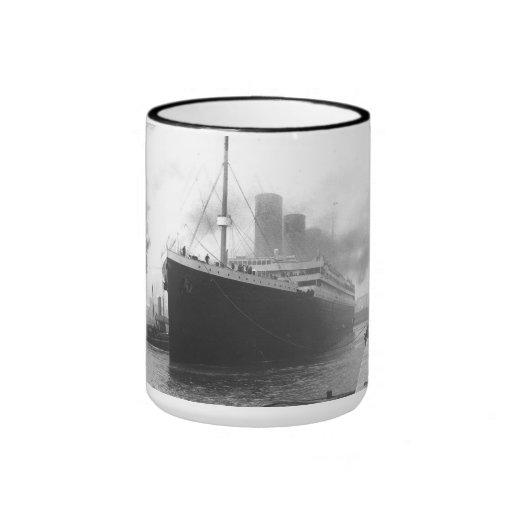 Titanic på skeppsdockorna av Southampton Muggar