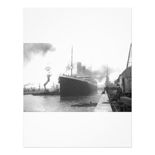 Titanic på skeppsdockorna av Southampton Full Färg Flygblad