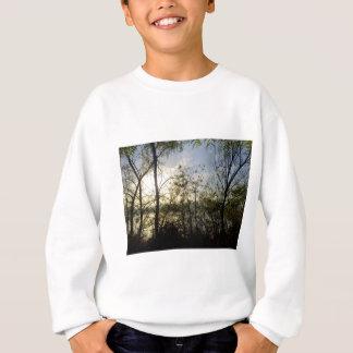 Tittar till och med träden t-shirt