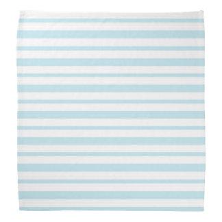 Tjocka och tunna pastellfärgade blått- och scarf