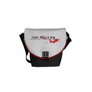 Toby säljer messenger bag för varelseMakeup FX