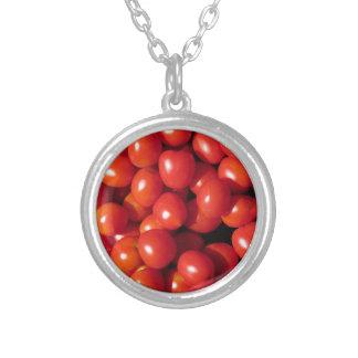 Tomatbakgrund Silverpläterat Halsband