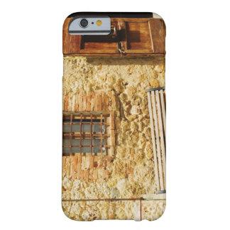 Tomt ta av planet framme av en vägg, barely there iPhone 6 fodral