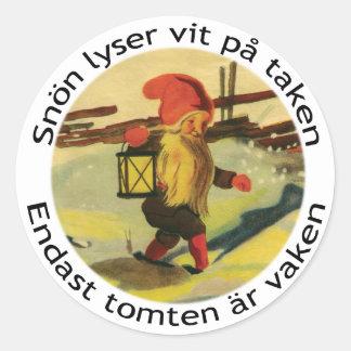 Tomten klistermärkear med den Viktor Rydberg dikt Runt Klistermärke
