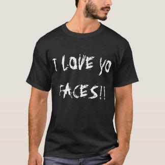 Ton av uppmärksamhet med en raddalove. tee shirt