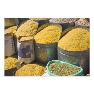 Torkad till salu pasta och bönor, Marrakech, 2 Fotografi