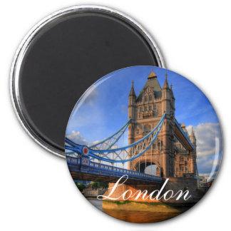 Torn överbryggar London Magnet