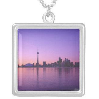 Toronto horisont på natten, Ontario, Kanada Silverpläterat Halsband