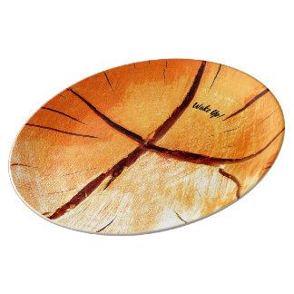 Torrt trä är nödvändigt porslinstallrik