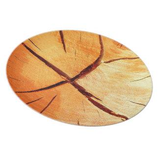 Torrt trä är nödvändigt tallrik