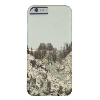 Träd och backar barely there iPhone 6 skal