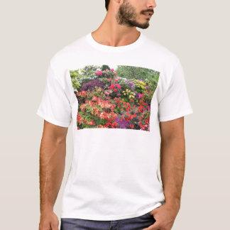 Trädgård av fröjder tee shirts