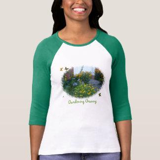 Trädgårdarbeteaste Granny-blommor+fjärilar T Shirts