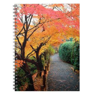 Trädhösten färgar Japan Anteckningsbok Med Spiral
