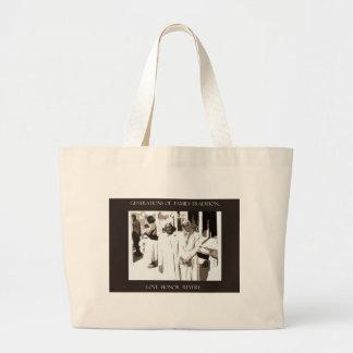 Traditionella generationer av familjen tote bags