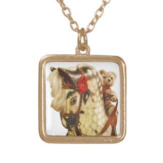 Trähäst för honungbjörnnalle grensle guldpläterat halsband