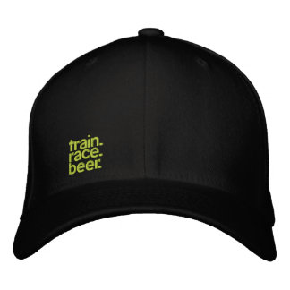TRAIN.RACE.BEER. Sladd-passform staplad hatt
