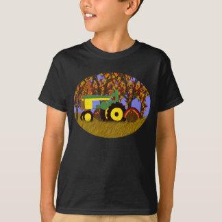 Traktor vid höstträd och kalkoner 1 t-shirt