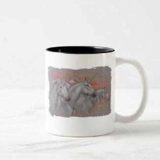 Tre Unicorns Två-Tonad Mugg
