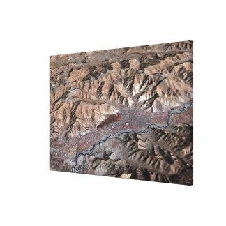 Tredimensionellt beskåda av landskap canvastryck