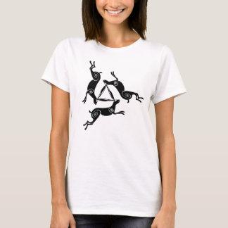 Trefaldiga HareTriskele damer tänder T-shirt