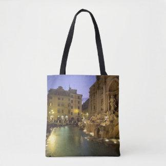 Trevi-fontän på natten, Rome, Lazio, italien Tygkasse