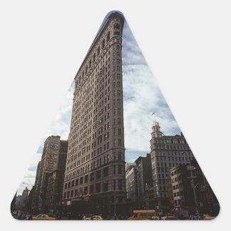 Triangelklistermärke NYC Flatiron Bldg New York Triangelformat Klistermärke