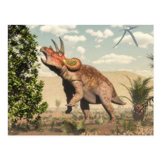 Triceratops som äter på magnoliaträd - 3D framför Vykort