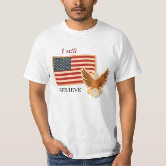 Tro patriotiskt för Amerika stillbild Tshirts