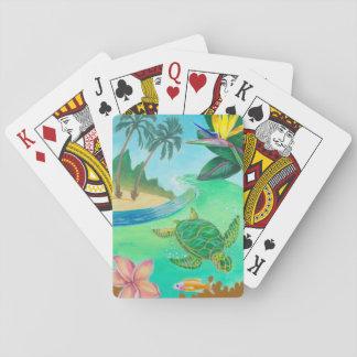 Tropisk havssköldpadda som leker kort spelkort